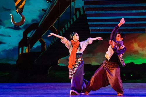 The Tibetan song and dance play Realizing Dreams to tour