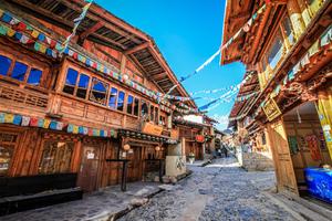 迪庆藏族自治州发展全域旅游