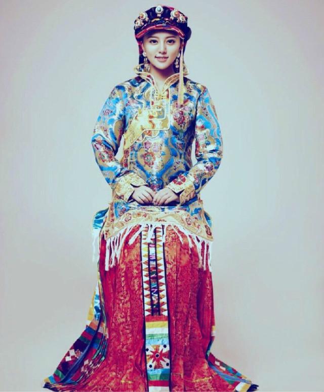 最美的藏族女孩——康巴第一美女阿兰·达瓦卓玛