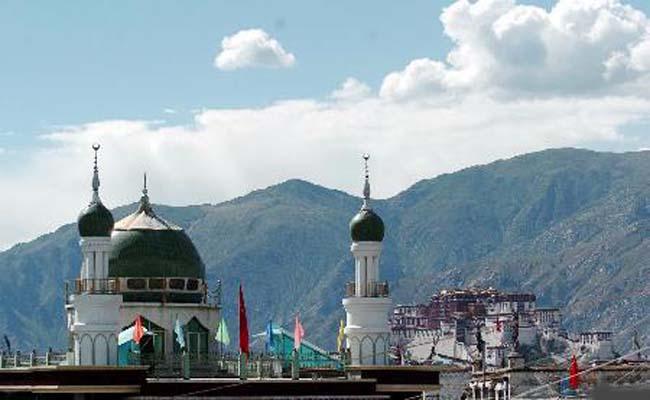 "Lhasa: Moslems feiern das traditionelle ""Fingerfood-Fest"""