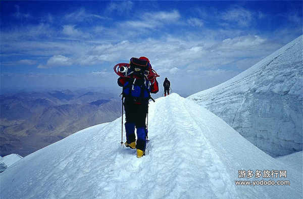Shigatse man summits Mt. Muztagh Ata for the first time