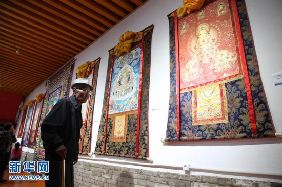 Qinghai Thangka unveiled in Mongolia