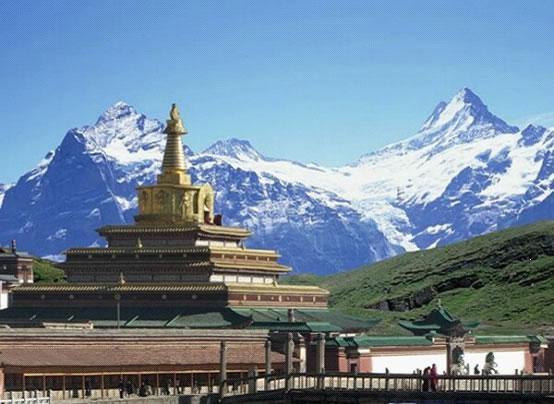 Gansu: Kloster Labrang durch heftige Regenfälle beschädigt