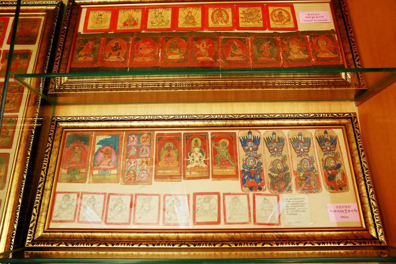 Unentbehrliche Dharmagegenstände der Abhisheka-Veranstaltung