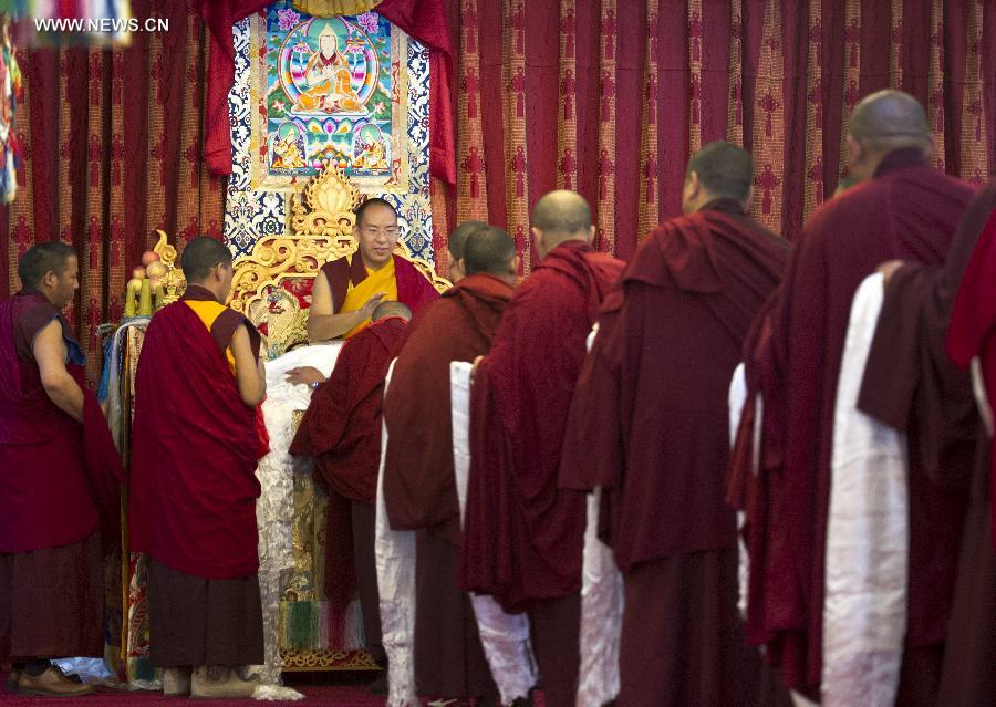Panchen Lama carries out religious activities in Tibet