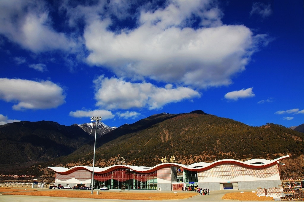 Nyingchi Airport promotes Tibet's development in 10 years