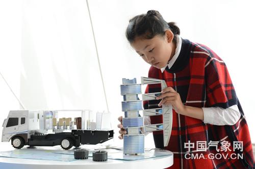 全国科普日:西藏气象科普受热棒