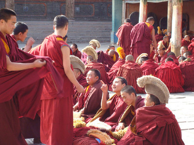 404 Tibetan Buddhist monks participate in academic title test in Qinghai