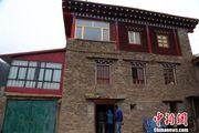 """青海传统藏式碉楼""""变""""驿站 成牧区致富新期待"""