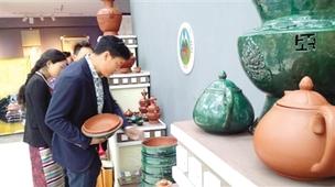 西藏特色工艺品 走俏市场