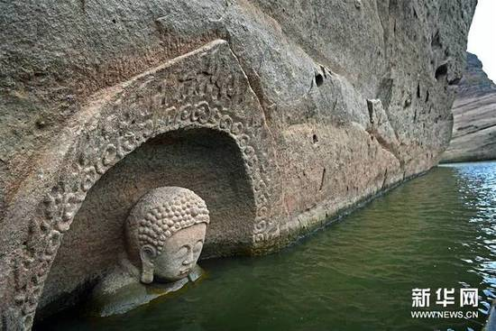Antike Buddha-Statue in Ost-China entdeckt