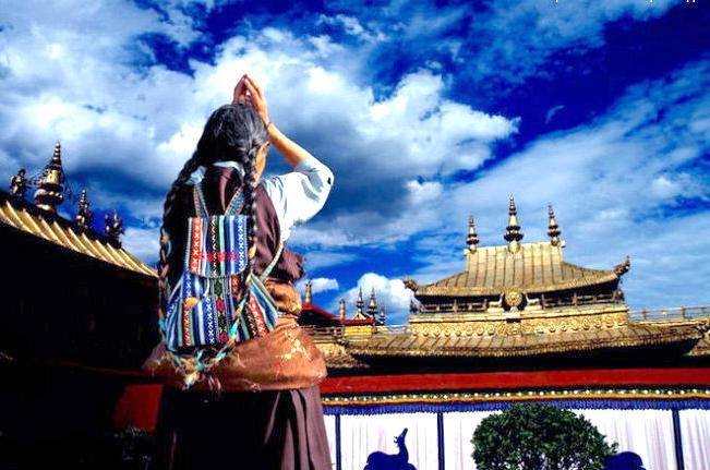 Dalai Lama ritual a 'political tool'