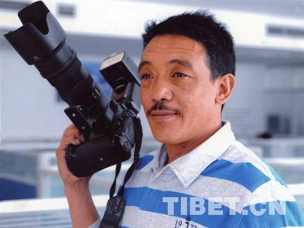 Aufnahme von Tibets Entwicklung mit der Kamera