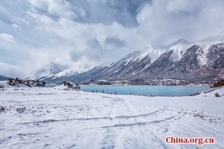 Amazing Ranwu Lake in Tibet