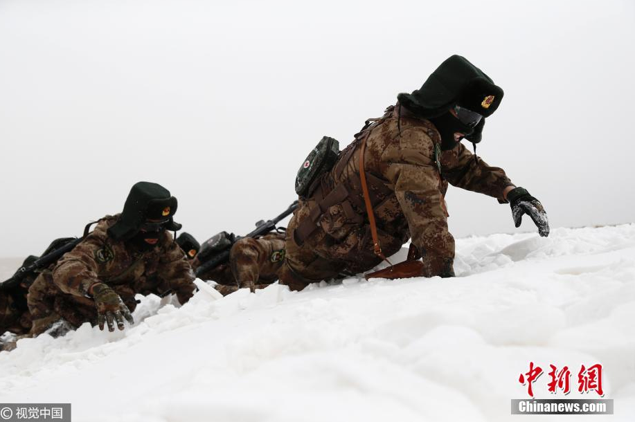Border patrol soldiers at Ngari, Tibet