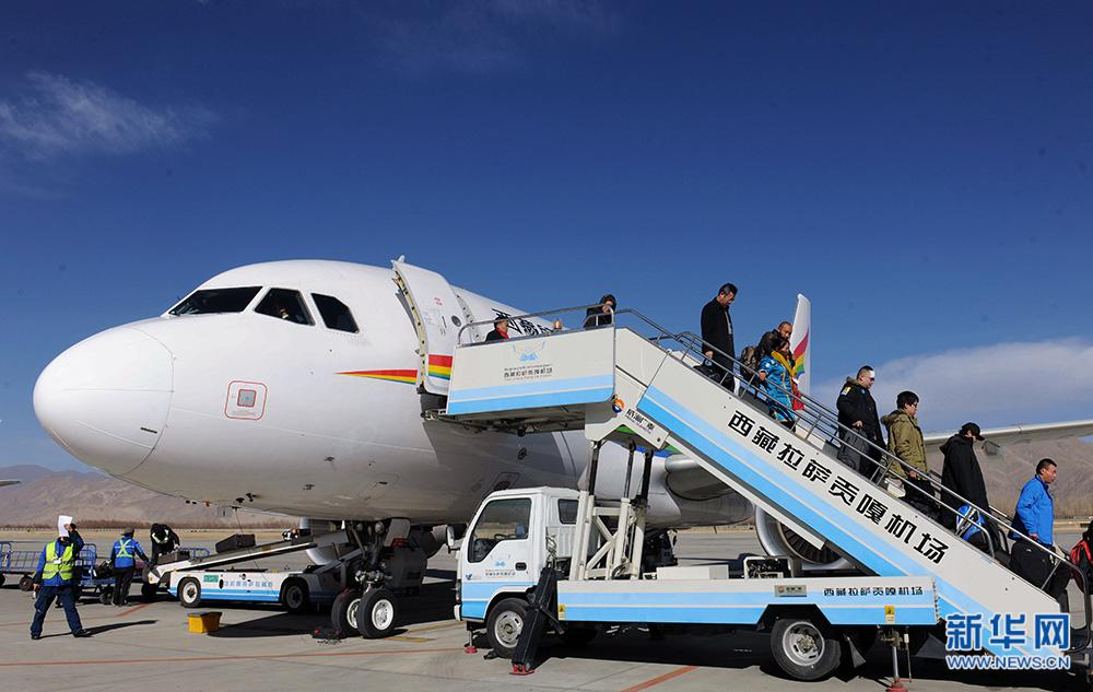 Tibet's airport passenger throughput exceeds 4 mln