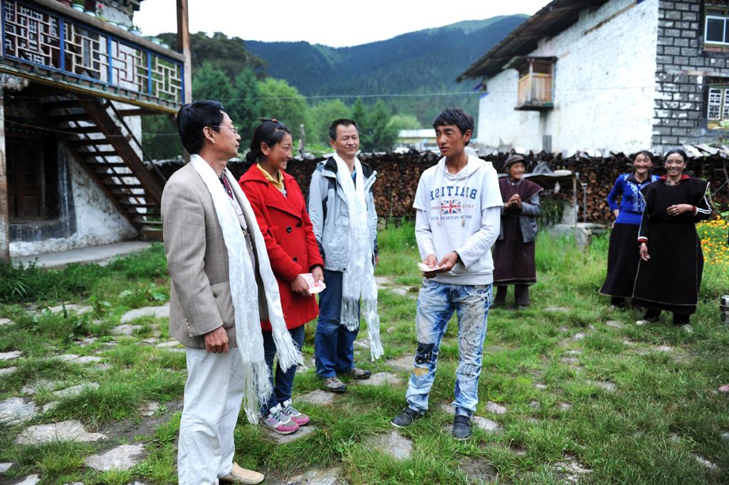 Lehrer zur Tibet-Unterstützung: Behandlung der tibetischen Kinder als Familienmitglieder