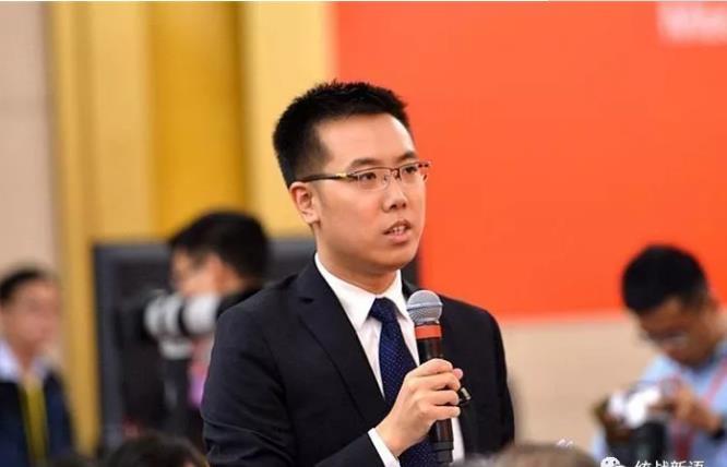 中央电视台中国国际电视台记者向冉万祥提问