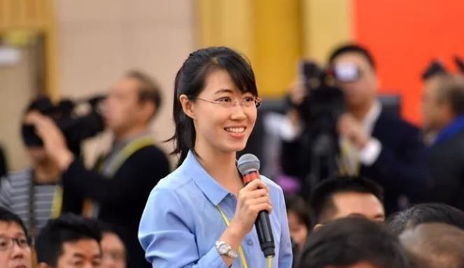 中央人民广播电台记者向张裔炯提问