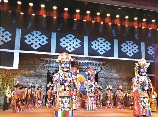 传统藏戏《朗萨雯蚌》舞台剧在拉萨首演