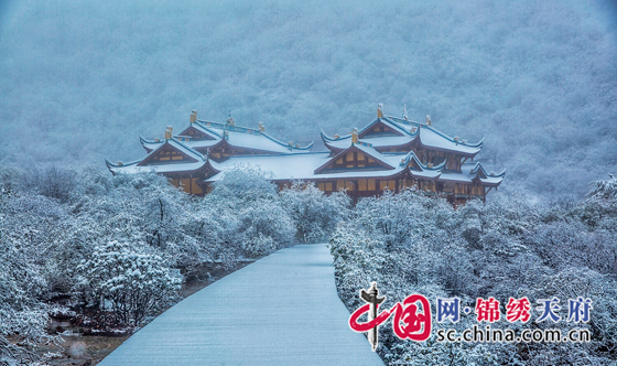 Snow scenery of the Huanglong scenic spot in SW China