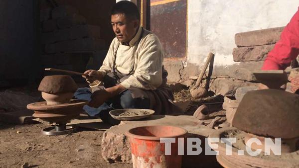 """""""康巴汉子""""东周的红陶合作社"""
