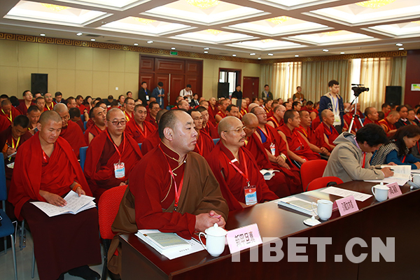 Mongolian monks come to study in Beijing