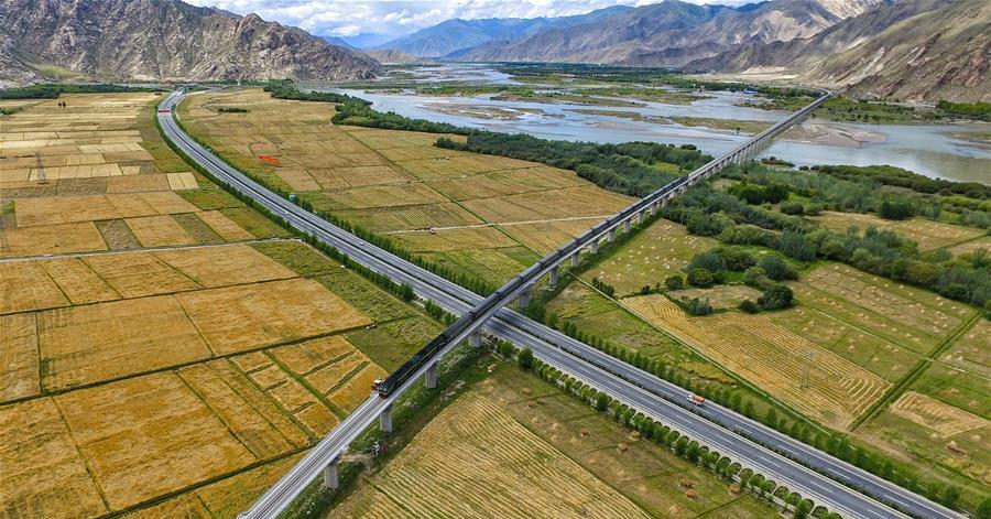 Highways improve transportation in SW China's Tibet
