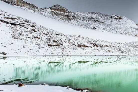 走近达古冰山 感受冰川之美