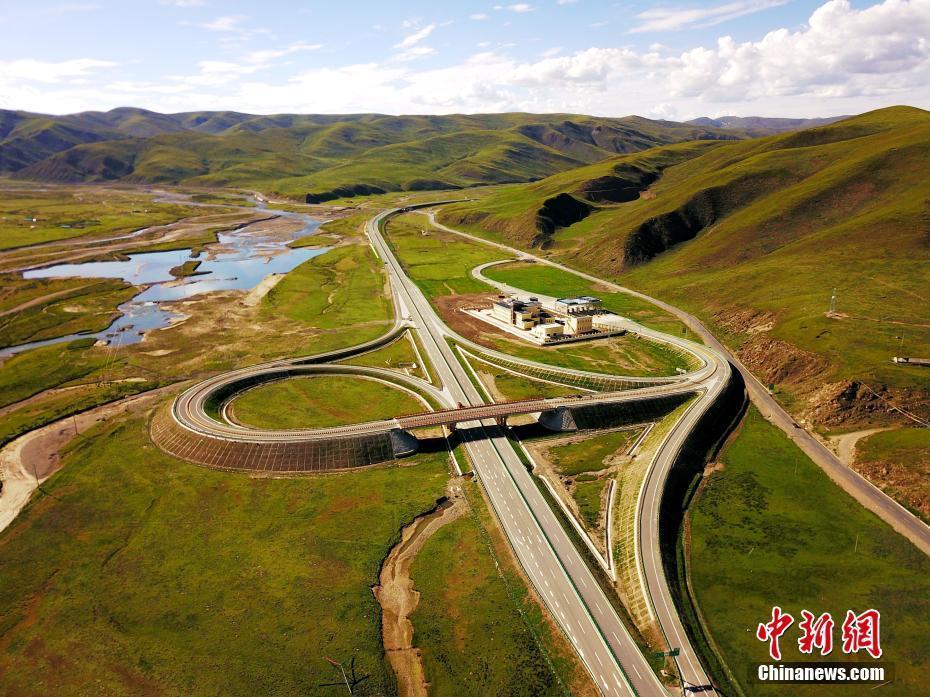 Qinghai: Autobahn 4000 Meter über dem Meeresspiegel eröffnet