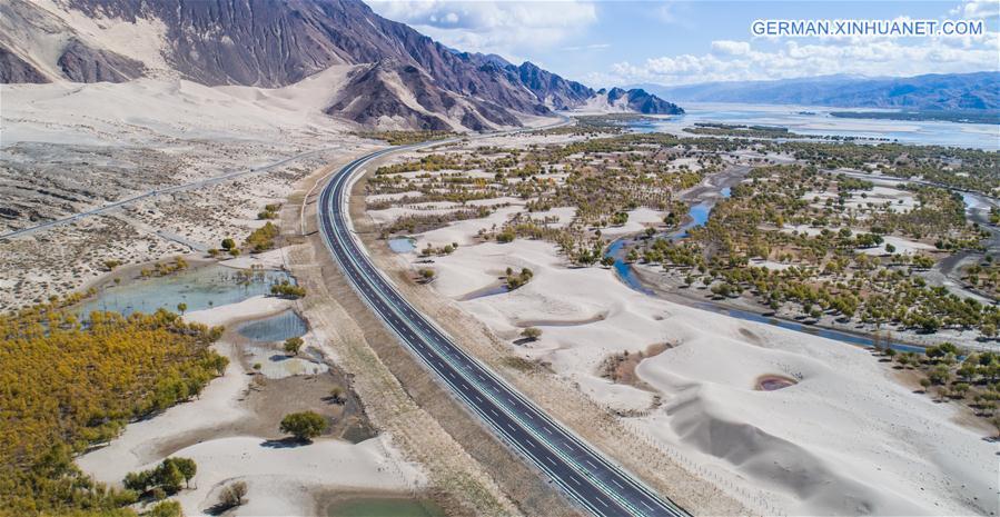 Schnellstraßen verbessern den Verkehr in Tibet