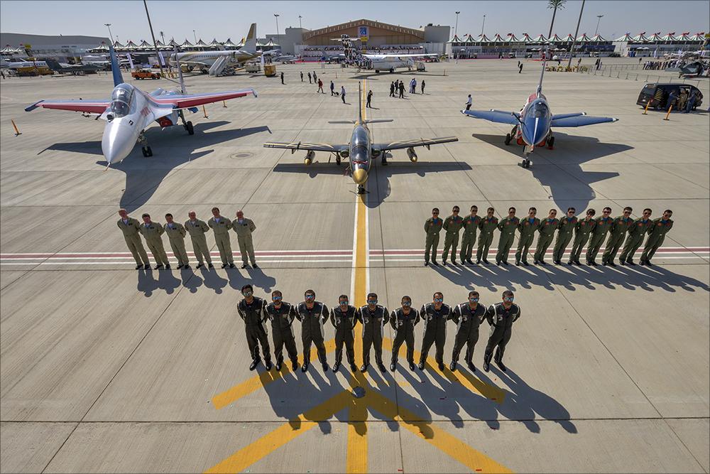 Piloten der chinesischen Luftwaffe auf der Dubai Air Show