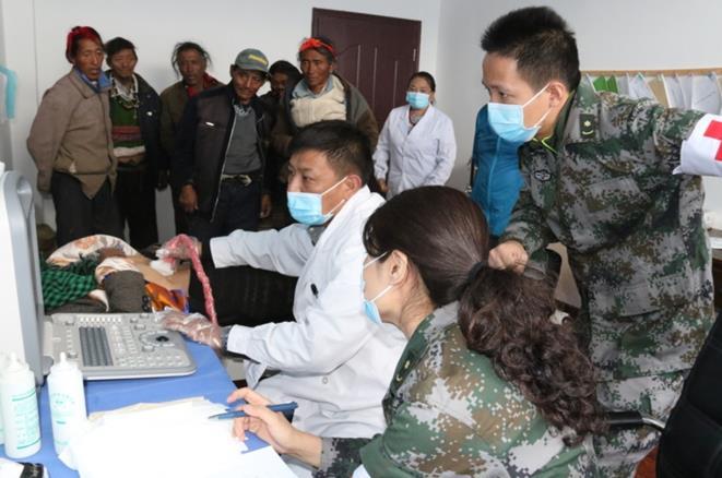 专家们带来的不只是健康,更是希望 ——解放军第三〇二医院防治藏区包虫病纪实(二)