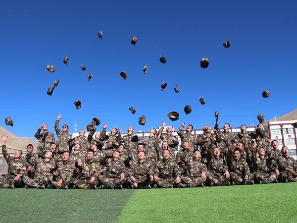 【学思践悟·十九大】练精兵谋打赢 西藏边防官兵海拔4300米体能考核忙