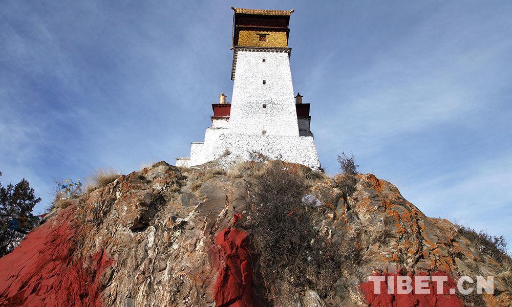 Tibet's oldest palace under renovation