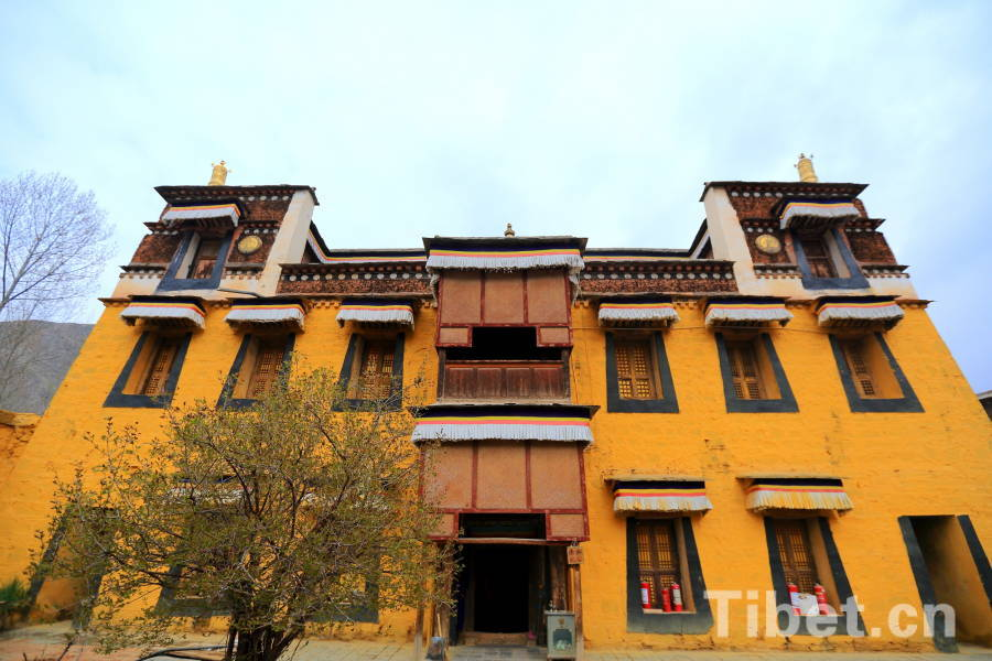 Labrang Monastery uses 300-year-old documents in restoration project