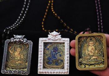 Tibetischer Maler schafft Mikro-Thangka-Werke