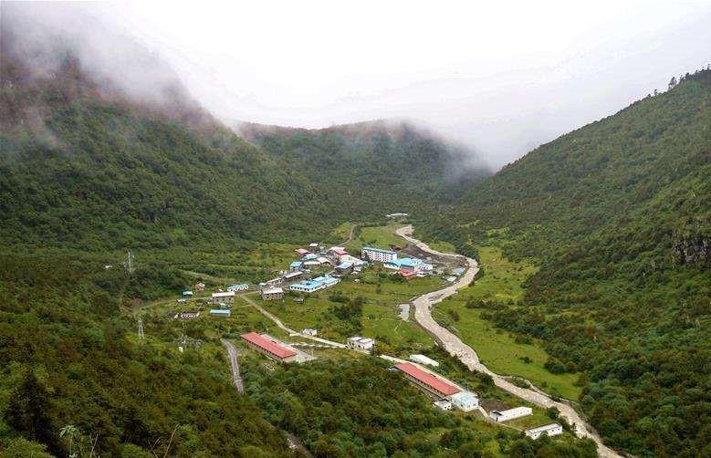 Fünf arme Kreise in Tibet entkommen der Armut