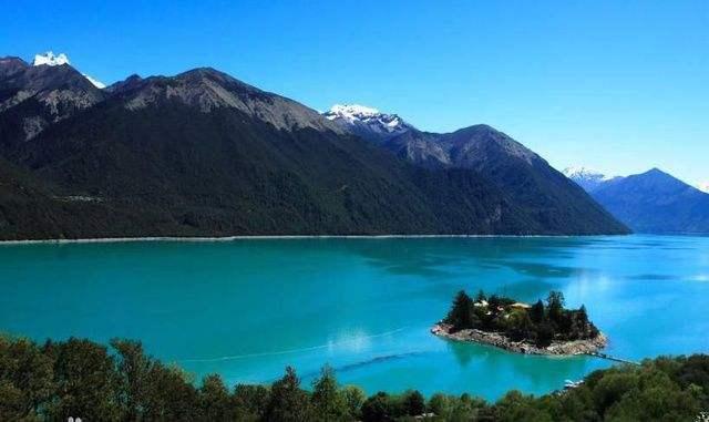巴松错生态旅游富民:一面湖水的恩泽