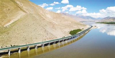 """西藏开通两条市市""""高速"""""""