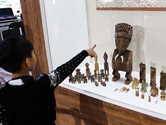 赫哲族鱼皮文化在民族文化宫绽放光彩