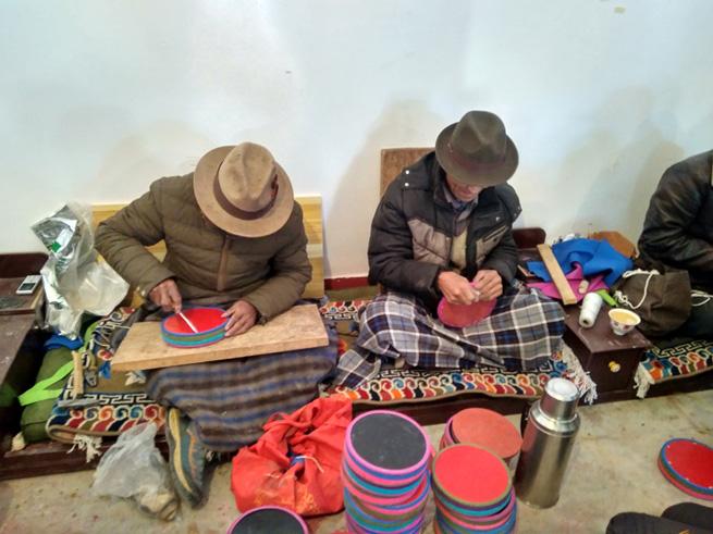 Tibet: Lederwaren GmbH fördert Beschäftigung und Armutsbekämpfung