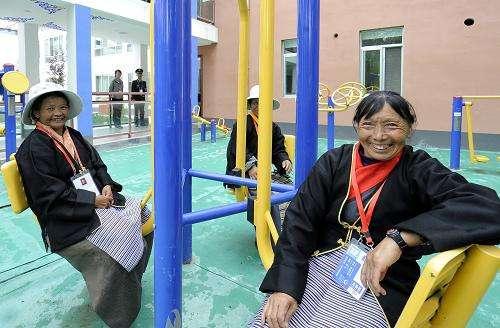 拉萨城关区142户特殊家庭老人将有家庭医生