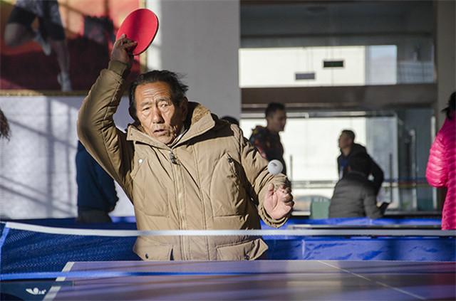 海拔3652米的乒乓球运动闪耀着竞技的魅力