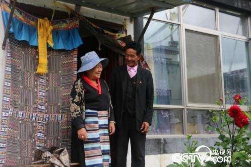 日喀则市易地搬迁农牧民群众满获幸福感:搬出穷窝窝 迈上小康路