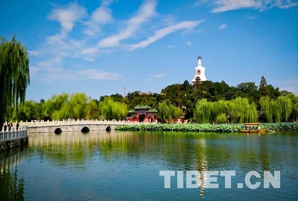 北京古都文化脉络中的藏传佛教符号