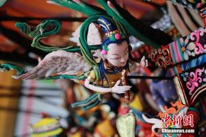 """藏传佛教圣地青海塔尔寺迎来酥油花""""花开见佛""""日"""