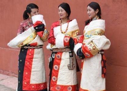 Tibetische Modenschau im tibetischen Gebiet in Gansu