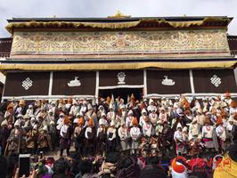 甘南州玛曲县八大格鲁派寺院同时举行正月祈愿大法会