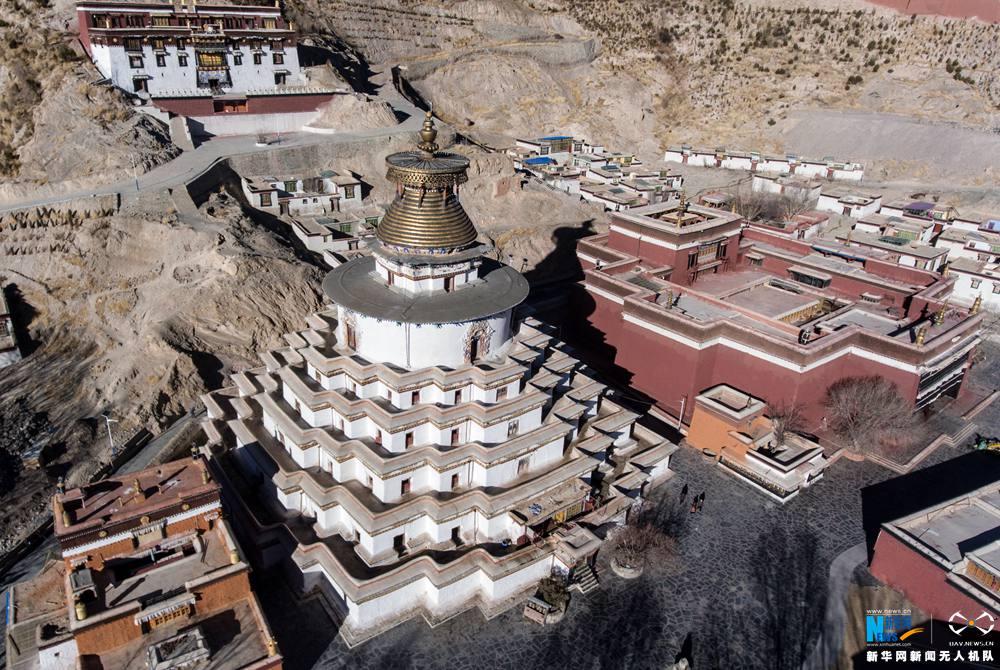 Luftaufnahmen des Palkor-Klosters in Tibet